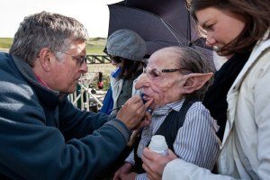 Nick Dudman touching up Griphook (Warwick Davis) in 'Harry Potter and the Deathly Hallows Part 2' - Source