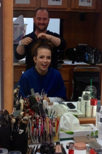 Alyn doing hair