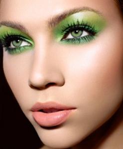 green-eye-shadow-billy-b-beauty