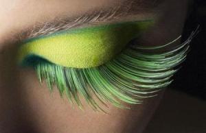 spring-2011-beauty-trend-green-eye-makeup